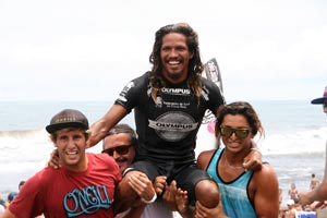 Olman Morales, from Santa Teresa, winner of the Grand Final Reef National Surf Championship 2013.