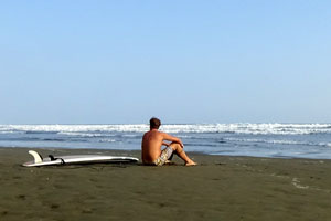There are no crowds, it's very likely that you will surf alone.
