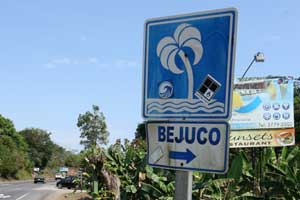 The route to Playa Bejuco is signposted.