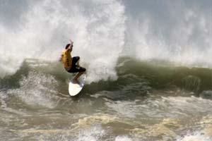 Rough conditions at Playa El Carmen.