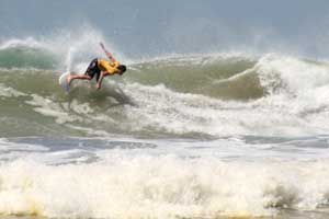 Powerful waves at Playa El Carmen.