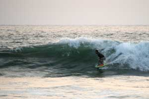 Not only surfers love this beach, usually several bodyboards are in the lineup, too.