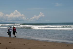 Playa Hermosa has both lefts and rights, the surf here is often empty.